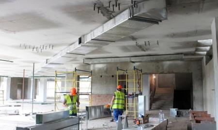 монтаж систем вентиляции административного здания